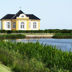 Find en vinduespudser i Svendborg ved at kontakte os. Vi sørger for den bedste pris til dig!