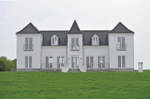 Vores vinduespudser greve er eksperter i alle typer vinduer - også bondehusvinduer!